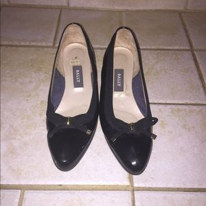 Gently used Ballys shoes lunchtime sale